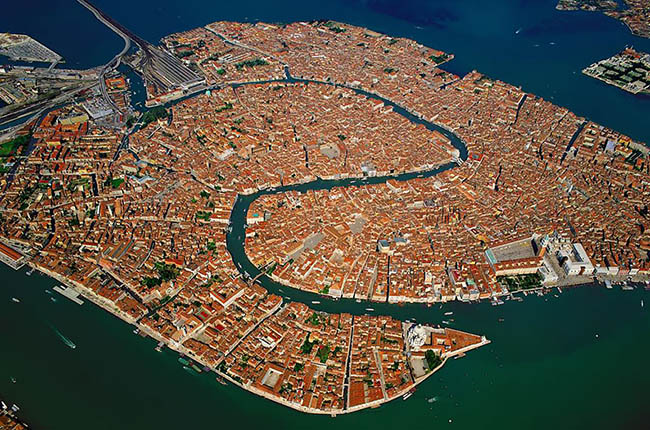 Amazing photograph of Venice from up high
