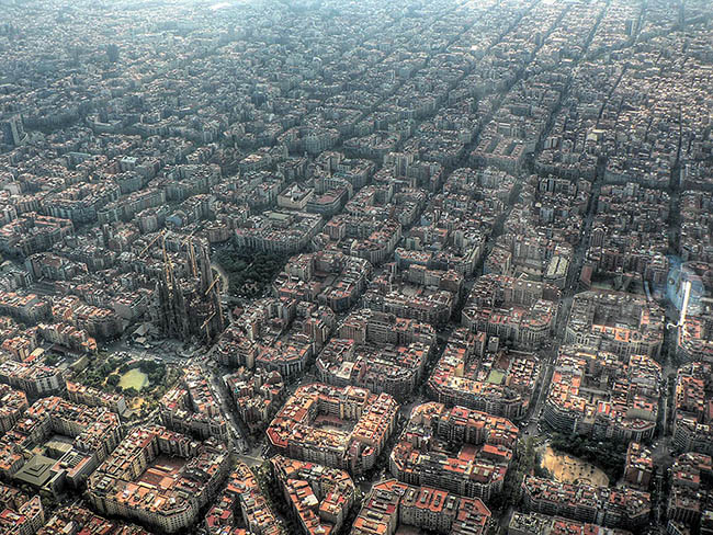 Bird's eye view photograph of Spanish city, Barcelona