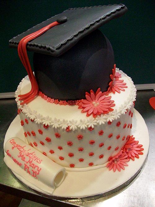 daisy graduation cake